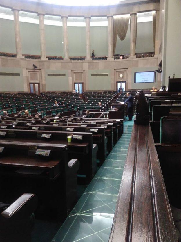 2020-02-13 KZZPMLD w Sejmie na czytaniu obywatelskich projektów ustaw o nakładach na zdrowie i wynagrodzeniach