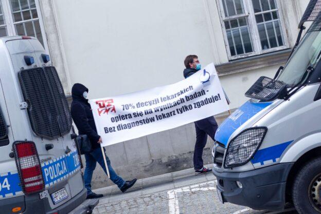 2021-03-17 Manifestacja poparcia dla negocjatorów w czasie rozmów z MZ
